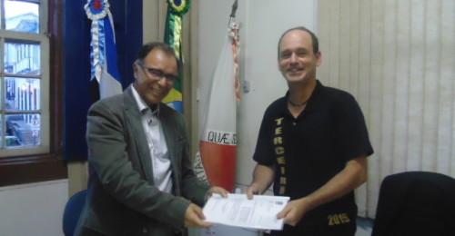 Ilustração da notícia: Prefeito entrega ao presidente da Câmara projeto de Lei que institui bonificação