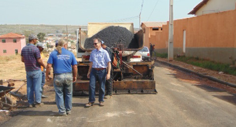 Ilustração da notícia: Prefeito visita obras em andamento no município