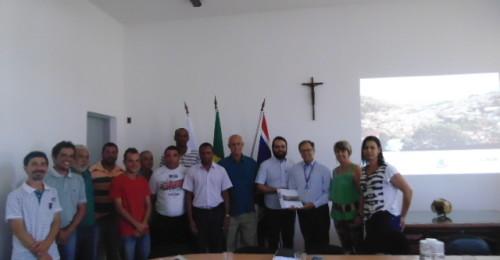 Ilustração da notícia: Prefeito Paulo Célio recebe Plano Local de Habitação de Interesse Social