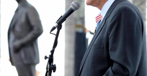 Ilustração da notícia: Festa cívica marca solenidade de entrega da Medalha JK em Diamantina