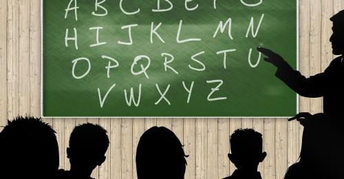Ilustração da notícia: Prefeito assina contratos para reforma e ampliação de escolas