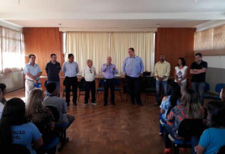 Prefeito encontra-se com servidores municipais