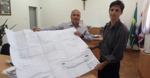 Ilustração da notícia: Prefeitura Municipal de Diamantina assina com Diretor de Obras o projeto para a reforma do Ginásio Poliesportivo