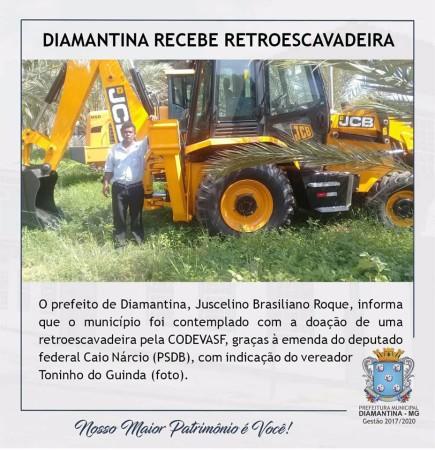 recebe_retroescavadeira_n